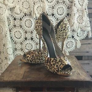 JESSICA SIMPSON leopard with metallic gold heel!